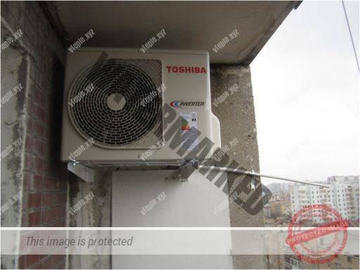 Установка наружного блока теплового насоса на балконе