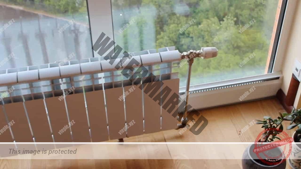 Теплый плинтус и радиатор отопления