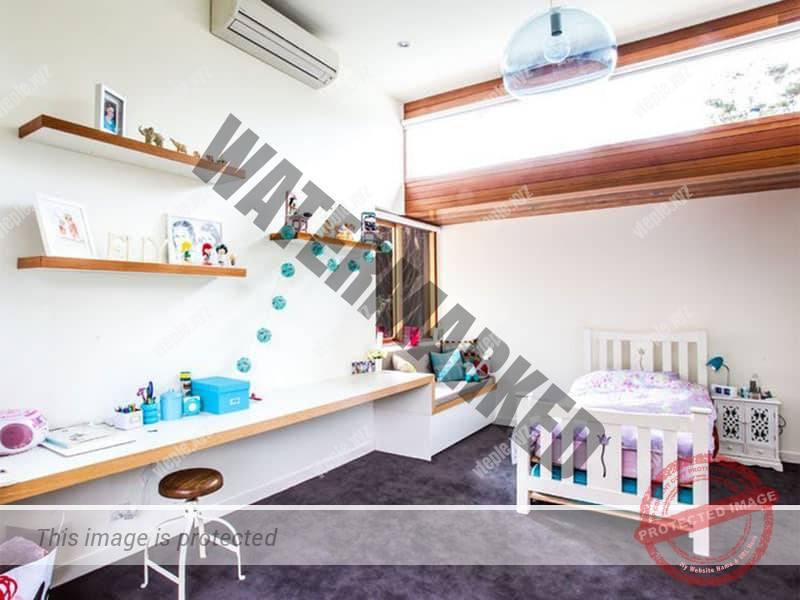 Внутренний блок кондиционера в детской комнате