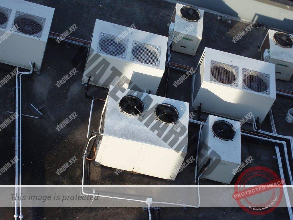 Чиллеры на крыше здания