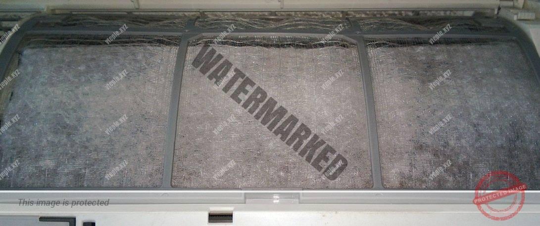 Грязный фильтр внутреннего блока кондиционера сплит системы